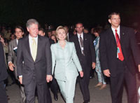 After an informal dinner for Summit leaders and spouses at Restaurant Em Krützche, the President and Mrs. Clinton enjoy a stroll through the streets of Cologne.