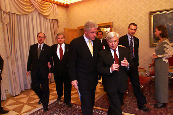 Slovenian President Milan Kucan speaks with President Clinton at the Presidential Palace, Slovenia.