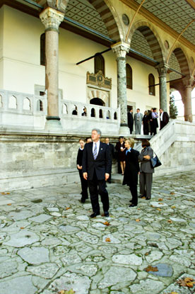 The First Family tours the Sultan's Palace.