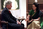 President Clinton meets with opposition leader Sonia Gandhi, Sheraton Hotel.  New Delhi, India.