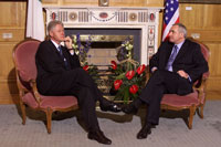 The President takes a bilateral meeting with Taoiseach Bertie Ahern at the Government House