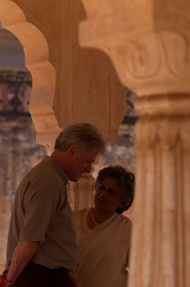 President Clinton tours the Amber Fort with Bina Kak, Minister of State, Tourism, Art and Culture.
